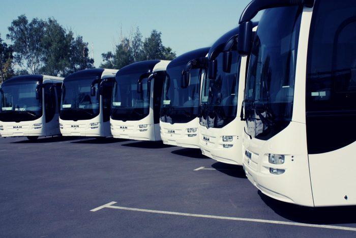 אוטובוס עם נהג בישראל