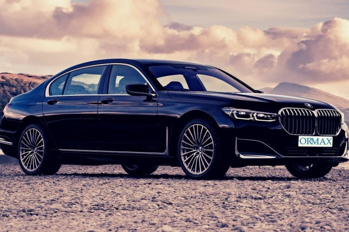 השכרת סדרת BMW 7 עם נהג בישראל