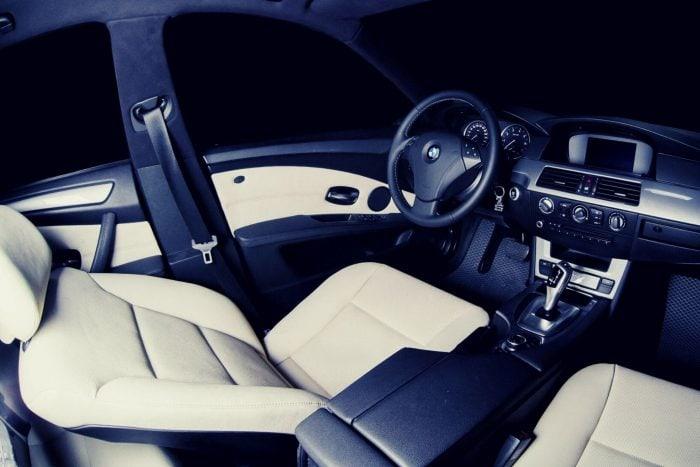 נהג פרימיום לרכב BMW 5