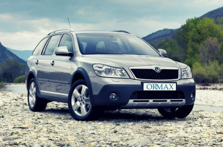 Skoda Octavia with driver Israel