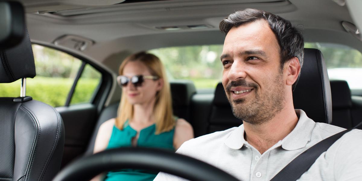 stat-taksistom-ili-lichnym-voditelem-v-izraile