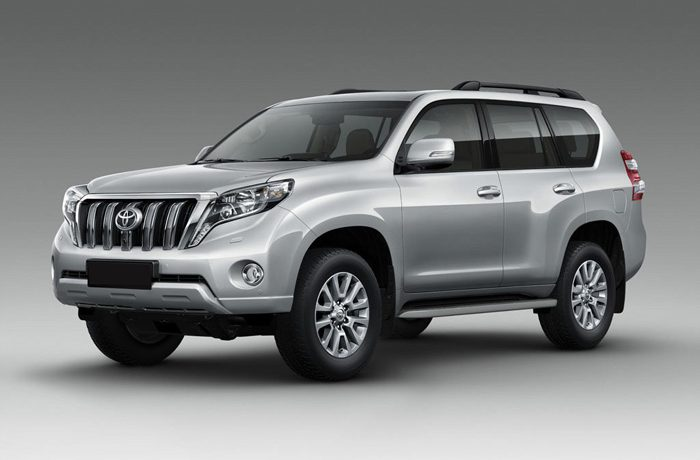 toyota-land-cruiser-with-driver-1
