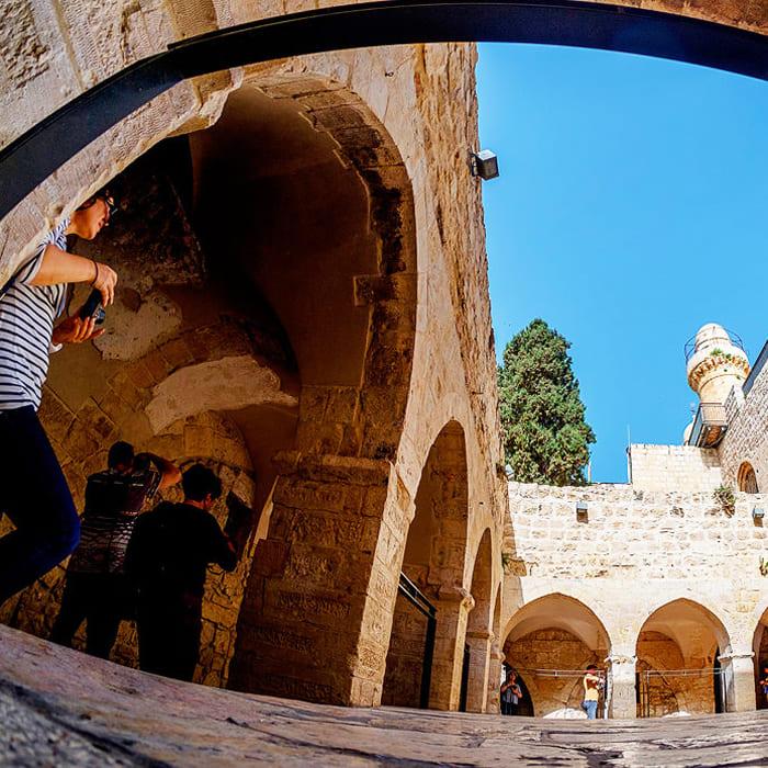 personal-guide-in-tel-aviv-jerusalem