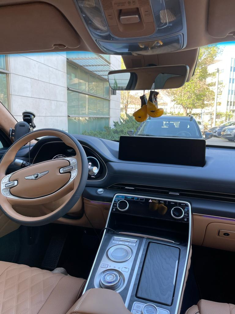 Luxury cars with a driver in Israel