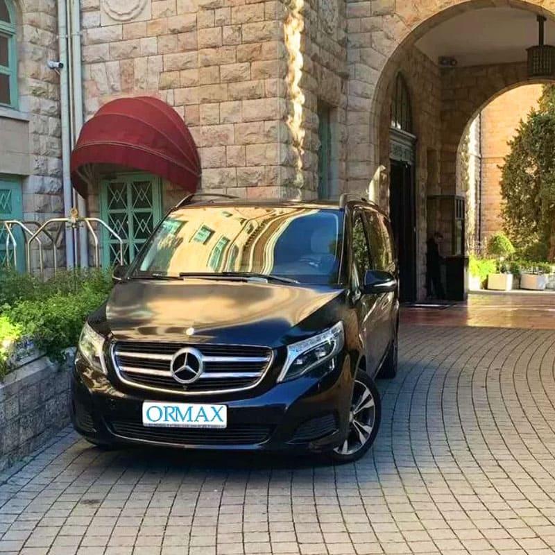 passenger-van-rentals-for-family